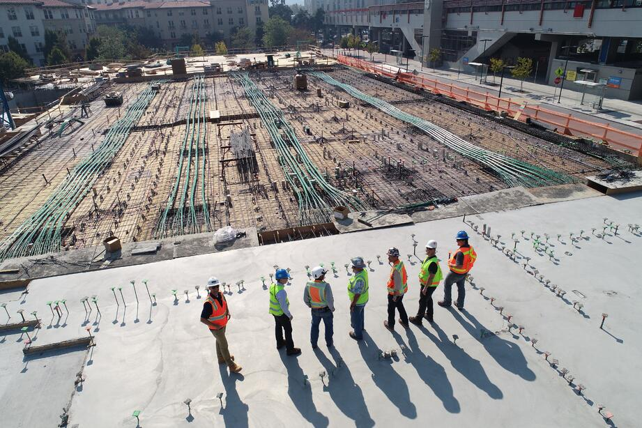 workers-on-construction-site