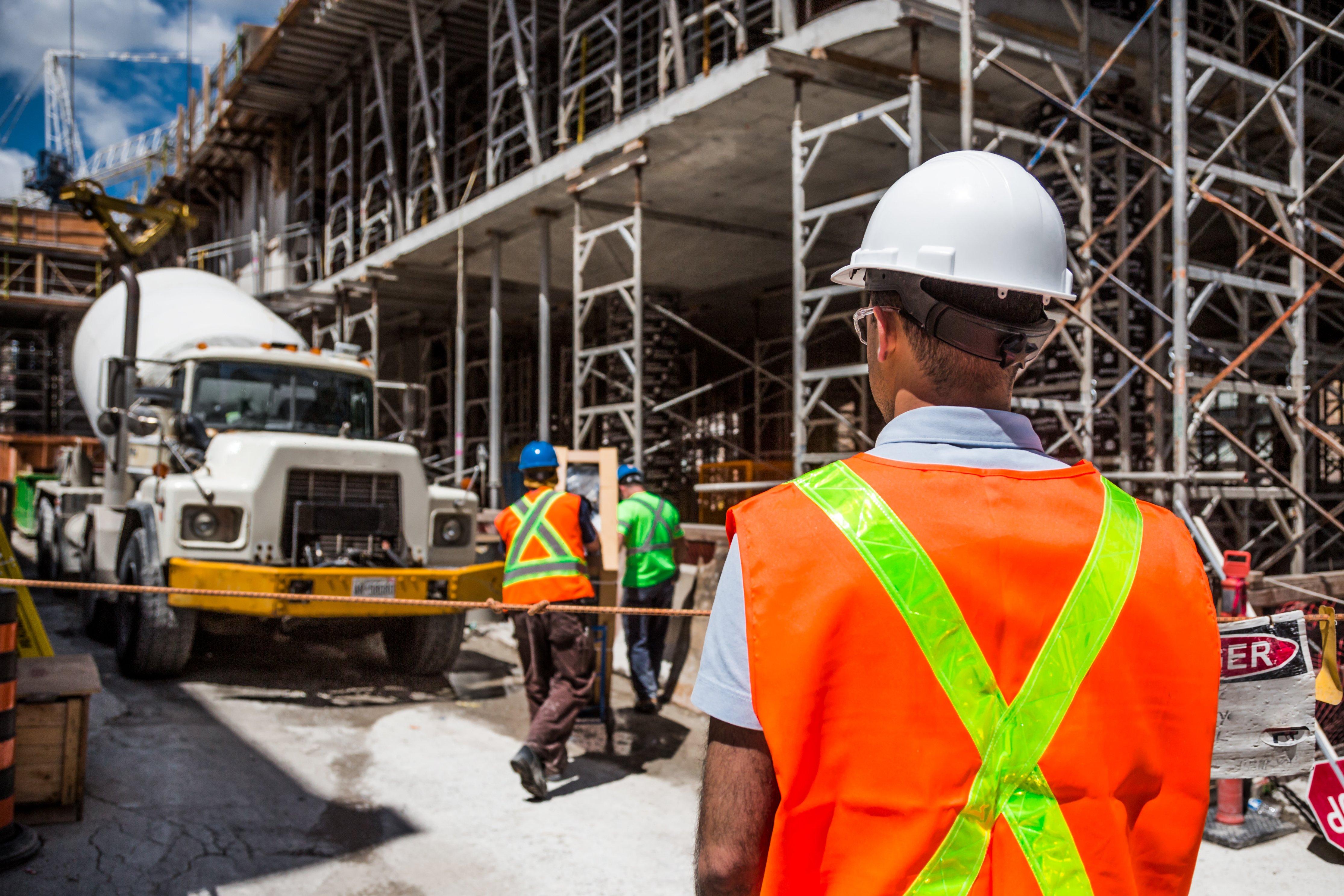 L'avenir du travail: L'augmentation et les risques du travail contractuel